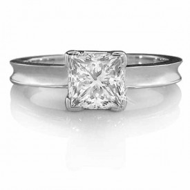 18 Carat White gold Certificated D-E Colour, VVS1 Clarity (Princess cut)Diamond  Ring