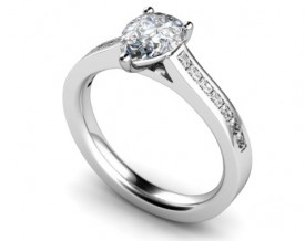 18 Carat White gold 6mm x 4mm Pear shaped Diamond/shoulders Ring