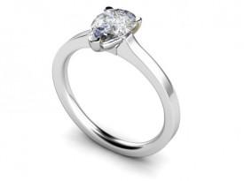 18 Carat White gold 7mm x 5mm Pear shaped Diamond Ring