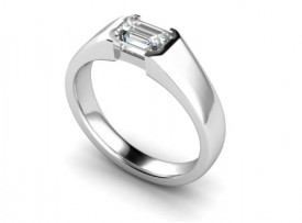 18 Carat White gold 7mm x 5mm Emerald cut Diamond Ring