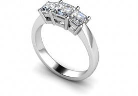 18 Carat White gold Three stone Princess cut Diamond Ring